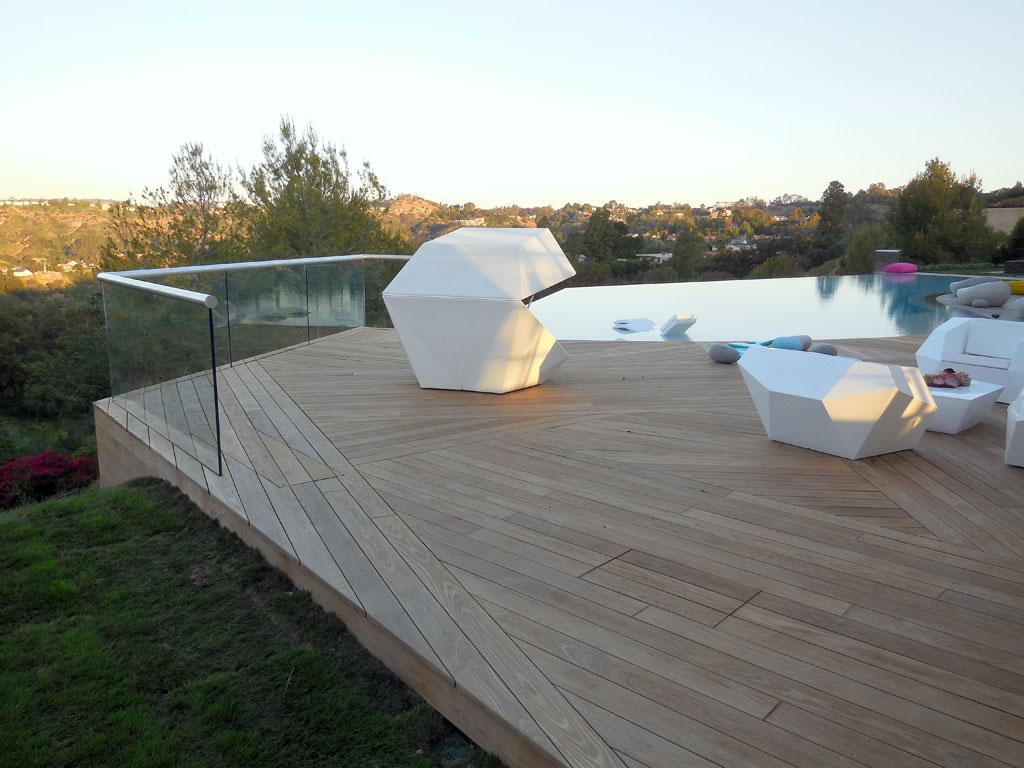 balkone und dachterrassen thermoholz. Black Bedroom Furniture Sets. Home Design Ideas